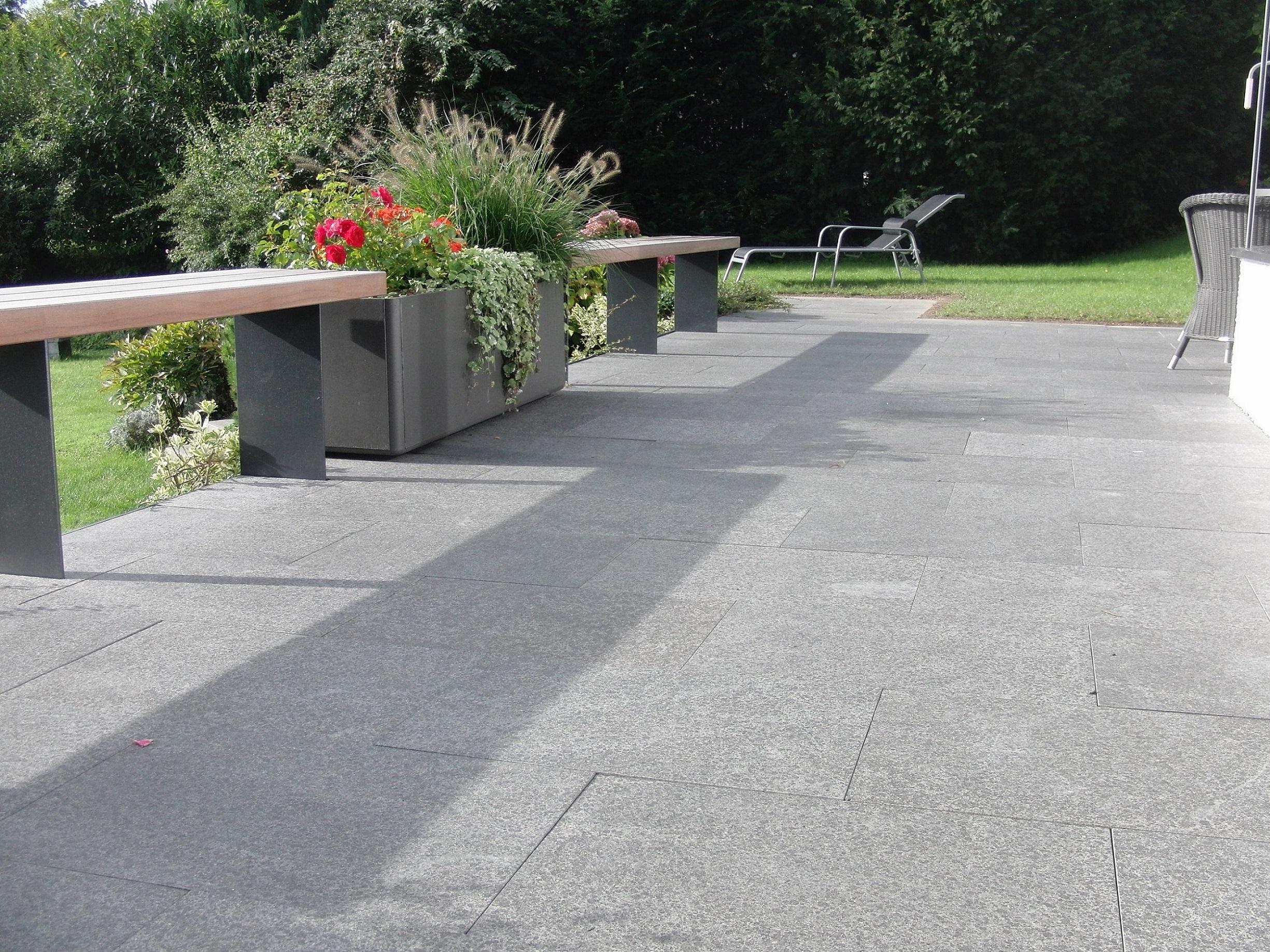 terrassen und gartengestaltung granit geyger. Black Bedroom Furniture Sets. Home Design Ideas